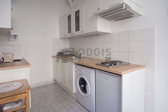 Kitchen where you can have dinner for 4 person(s) equipped with washing machine, refrigerator, freezer, hood