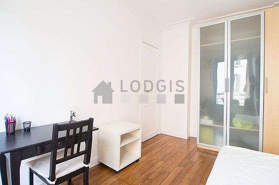 Chambre très calme pour 2 personnes équipée de 1 canapé(s) lit(s) de 120cm