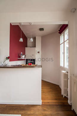 Great kitchen of 4m² with its wooden floor