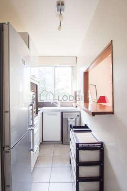 Magnifique cuisine de 7m² avec du carrelage au sol
