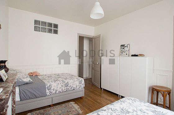 Chambre très calme pour 3 personnes équipée de 1 lit(s) de 90cm, 1 lit(s) de 120cm
