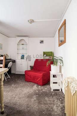 Chambre calme pour 1 personnes équipée de 1 canapé(s) lit(s) de 90cm