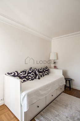 Bedroom for 1 persons equipped with 1 bed(s) of 90cm