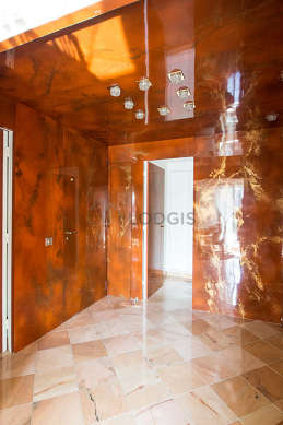 Beautiful entrance with marble floor