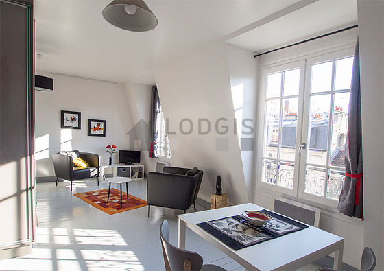 Location studio avec ascenseur paris 14 rue d 39 al sia for Location studio meuble paris