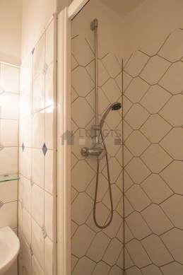 Paris La Chapelle (rue Marx Dormoy) | Möblierte Mietwohnung : 2, Badezimmer  Ideen