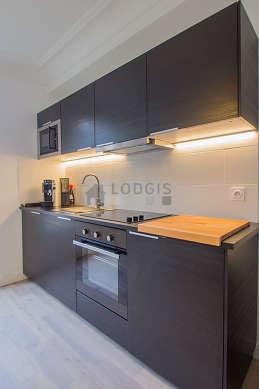 Magnifique cuisine de 1m² avec du parquet au sol