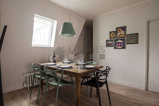 Salle à manger de 18m² équipée de table à manger, 6 chaise(s)
