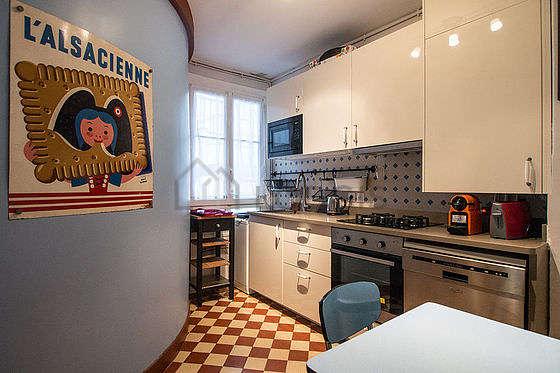 Magnifique cuisine de 7m² avec des tomettes au sol