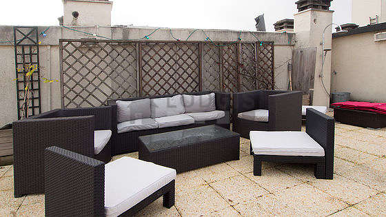 Balcony equipped with 1 armchair(s)