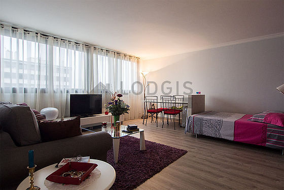 Very quiet living room furnished with 1 sofabed(s) of 140cm, 1 bed(s) of 140cm, tv, cupboard