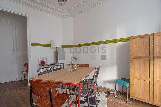 Superbe salle à manger avec du parquet au sol