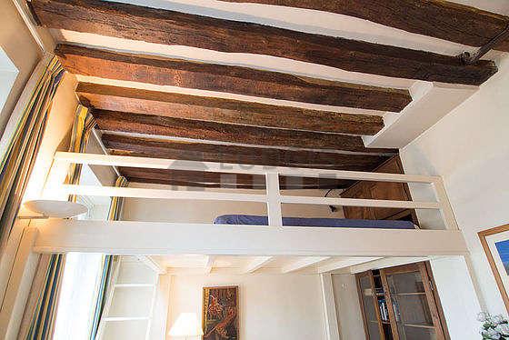 Chambre très calme pour 4 personnes équipée de 1 lit(s) mezzanine de 140cm, 1 canapé(s) lit(s) de 140cm