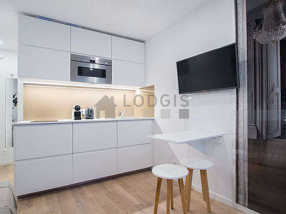 Great kitchen of 1m² with wooden floor