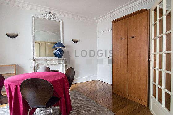 Chambre pour 1 personnes équipée de 1 lit(s) armoire de 90cm