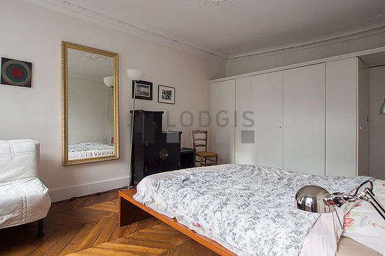Chambre calme pour 3 personnes équipée de 1 lit(s) d'appoint de 80cm, 1 lit(s) de 140cm