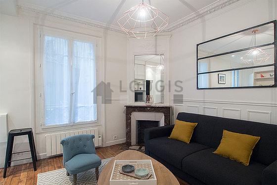 Location studio paris 18 rue saint vincent meubl 18 for Location paris meuble