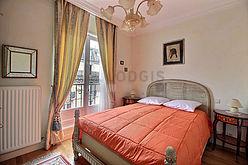 Duplex Paris 8° - Chambre 2