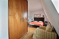 Duplex Paris 8° - Chambre