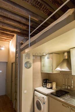 Mezzanine de 2m² sous belle hauteur de plafond