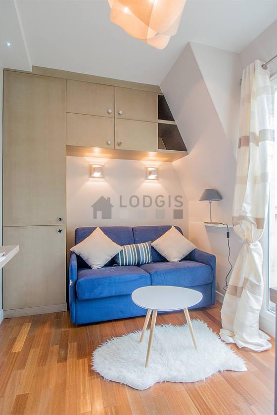 location studio avec terrasse ascenseur et concierge paris 16 rue alfred bruneau meubl 11. Black Bedroom Furniture Sets. Home Design Ideas