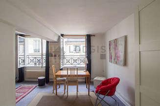Studio avec alcôve Paris 4° Place des Vosges – Saint Paul