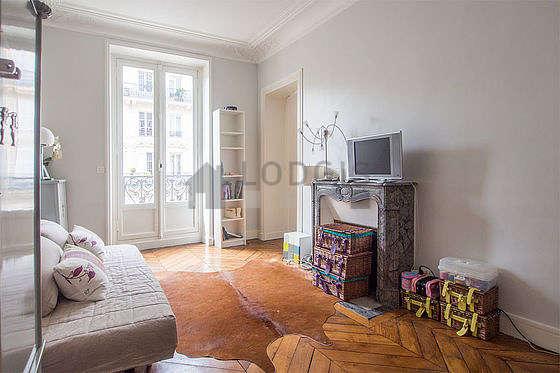Chambre calme pour 4 personnes équipée de 1 lit(s) supperposé(s) de 90cm, 1 canapé(s) lit(s) de 130cm