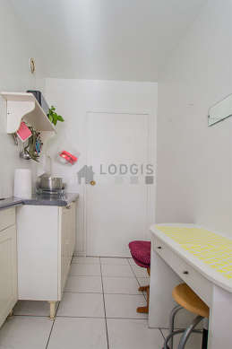 Beautiful kitchen of 6m² with its tile floor