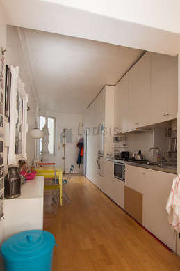 Beautiful kitchen of 13m² with its wooden floor