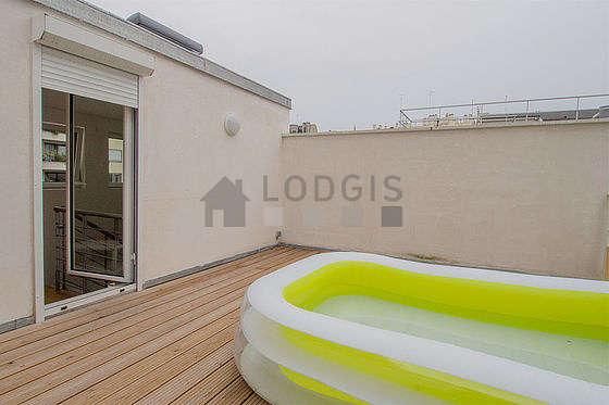 Terrasse équipée de 1 transat(s)