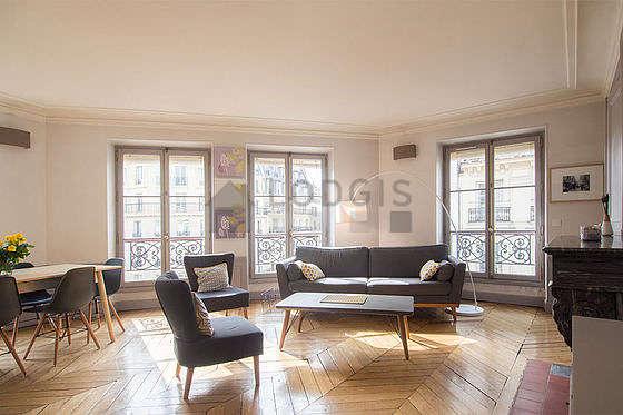 Séjour équipé de canapé, 1 fauteuil(s), 6 chaise(s)