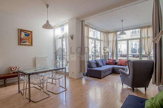Séjour très calme équipé de 2 canapé(s) lit(s) de 160cm, téléviseur, armoire