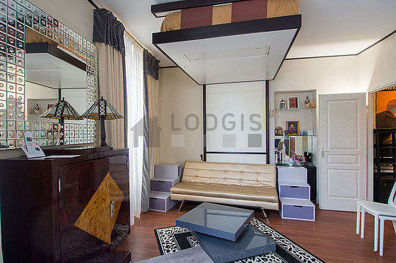 Quiet living room furnished with 1 sofabed(s) of 80cm, 1 bed(s) of 140cm, tv, storage space