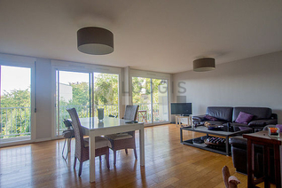 Suresnes 2 bedroom Apartment