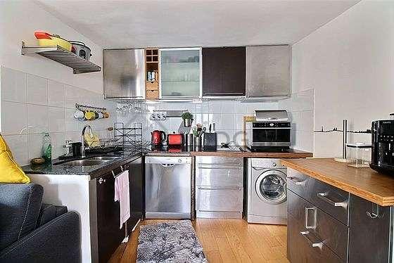 Belle cuisine de 5m² avec du parquet au sol