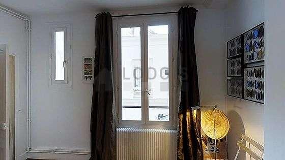 Chambre très calme pour 3 personnes équipée de 1 lit(s) de 90cm, 1 lit(s) de 140cm