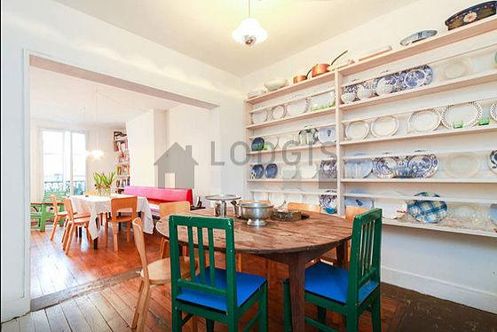 Belle cuisine de 11m² avec du parquet au sol