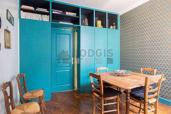 Beautiful dining room with wooden floor for 6 person(s)