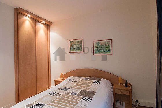 Bedroom equipped with closet, cupboard