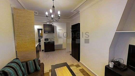 d96fb9b688aa Paris Montmartre (Rue Marcadet)   Aluguel mobiliado   studio, 20 m² ...