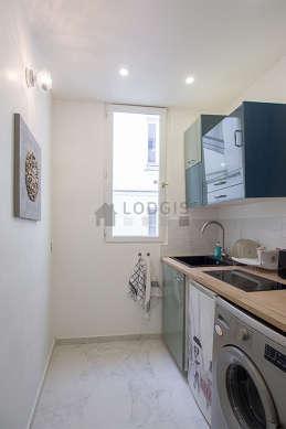 Magnifique cuisine de 3m² avec du marbre au sol