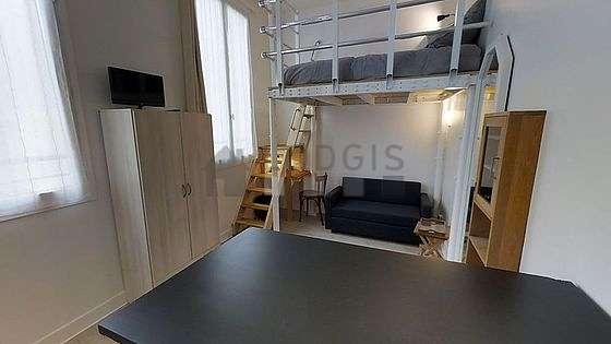 Salon de 15m² avec du linoleum au sol