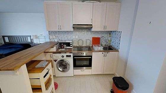 Belle cuisine de 5m² avec du carrelage au sol