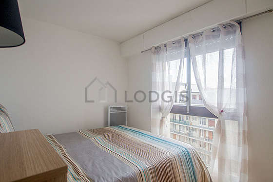 Very quiet bedroom for 2 persons equipped with 1 bed(s)
