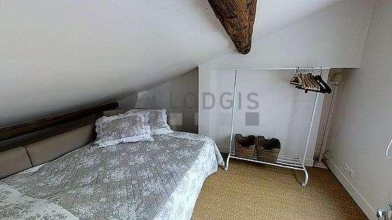 Bedroom of 10m² with its coco floor