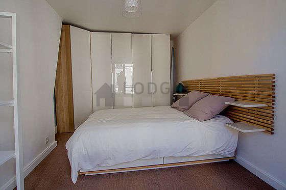 Bedroom of 13m² with coco floor