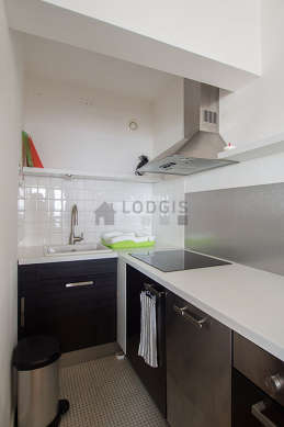Beautiful kitchen of 5m² with wooden floor
