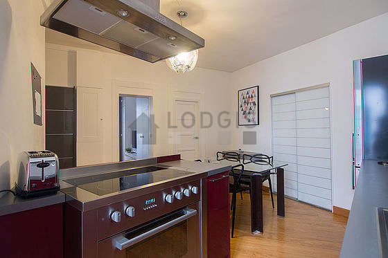 Great kitchen of 14m² with its wooden floor