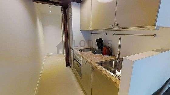 Magnifique cuisine de 3m² avec du linoleum au sol