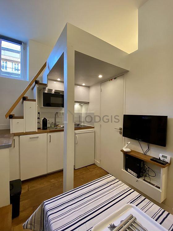Location studio paris 7 rue de bourgogne meubl 16 m for Location studio meuble paris 16